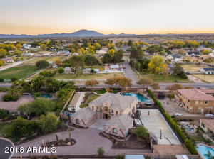 2815 E BRIDGEPORT Court, Gilbert, AZ 85295