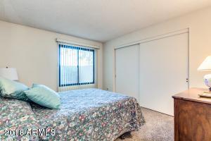 11819 S TONOPAH Drive, Phoenix, AZ 85044