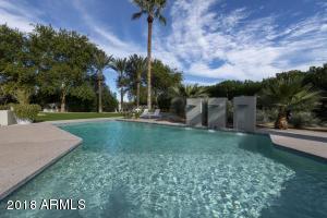 6815 N JOSHUA TREE Lane, Paradise Valley, AZ 85253