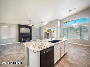 5586 W ROSE GARDEN Lane, Glendale, AZ 85308