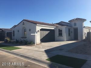 2835 E WAYLAND Drive, Phoenix, AZ 85040
