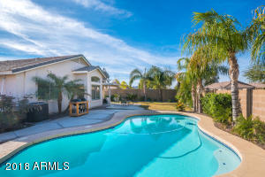 2640 W Cool Water Way