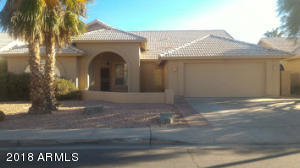 Single Level, north facing house in Park Promenade. 5 houses from Brisas and Desert Breeze Park