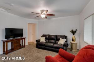 6748 N 10TH Place, Phoenix, AZ 85014