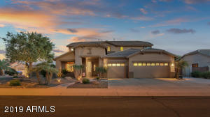 Absolutely beautiful and move in ready home in Chandler AZ