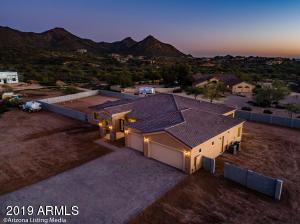 2827 W HERE TO THERE Drive, Phoenix, AZ 85086