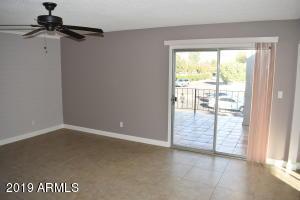 4041 E CAMELBACK Road, 11, Phoenix, AZ 85018