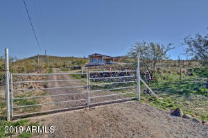 45421 N 22ND Street, New River, AZ 85087