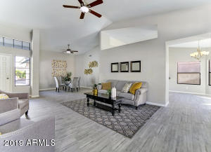 642 W SUMMIT Place, Chandler, AZ 85225