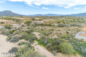 8403 E NIGHTINGALE STAR Drive, Lot 18