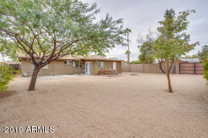 6834 E WINDSOR Avenue, Scottsdale, AZ 85257