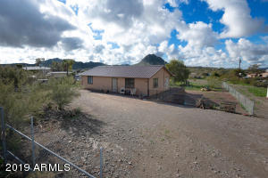 2547 W ROUGHRIDER Road, New River, AZ 85087
