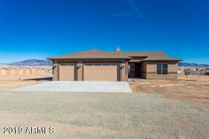 7325 E TROTTIN DOWN Road, Prescott Valley, AZ 86315