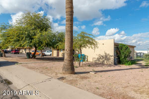 720 E SIESTA Drive, Phoenix, AZ 85042