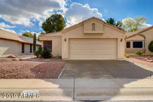 This 3 bedroom, 2 bath home is located on the water in a cul de sac in Ventana Lakes.