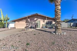 730 E DESERT Avenue, Apache Junction, AZ 85119