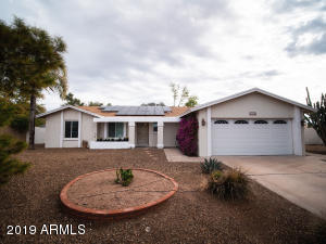 6222 E WINCHCOMB Drive, Scottsdale, AZ 85254