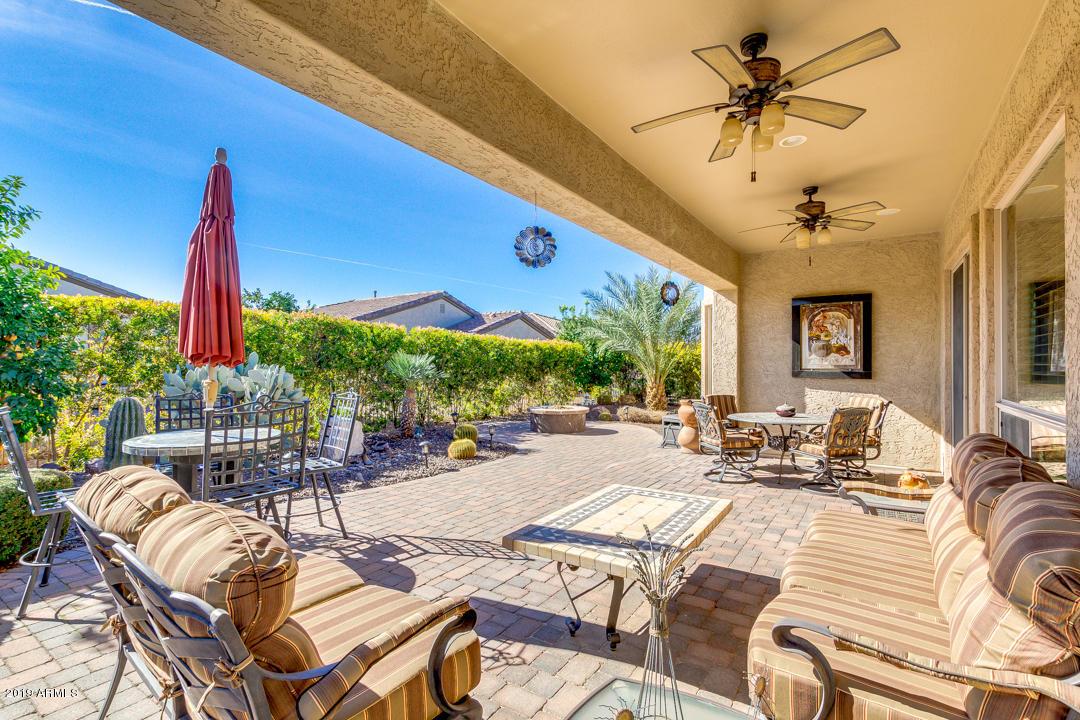 Photo of 4219 E NIGHTINGALE Lane, Gilbert, AZ 85298