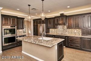 11627 S BLACKFOOT Drive, Phoenix, AZ 85044