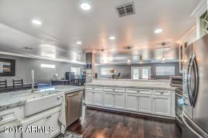 4330 E DEVONSHIRE Avenue, Phoenix, AZ 85018