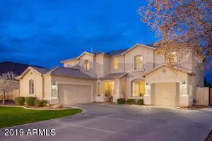 3721 S MARTINGALE Road, Gilbert, AZ 85297