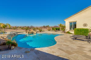 6658 S CHAMPAGNE Way, Gilbert, AZ 85298
