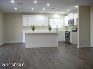2201 N 63RD Place, Mesa, AZ 85215