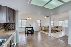 8830 W VERNON Avenue, Phoenix, AZ 85037
