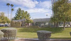 207 N MESA Drive, Mesa, AZ 85201
