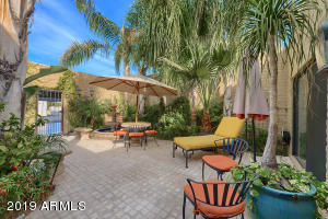 7127 E McDonald Drive, Paradise Valley, AZ 85253