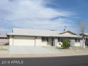 NO POPCORN~NEUTRAL TILE & CARPET~UPGRADED KITCHEN & BATHS AND MUCH MORE