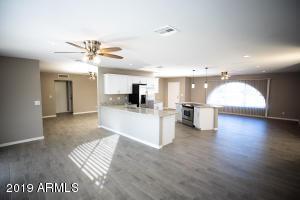 5131 W HARMONT Drive, Glendale, AZ 85302