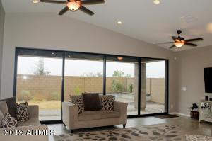 10232 E TAMERY Avenue, Mesa, AZ 85212
