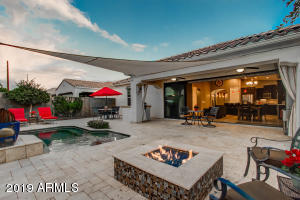 Spectacular Backyard Retreat w/Heated Pool/Spa, Natural Gas Firepit & Tiki Torches