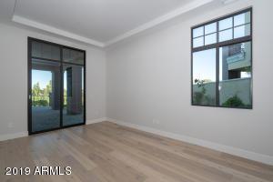 2 Biltmore Estates, 109, Phoenix, AZ 85016