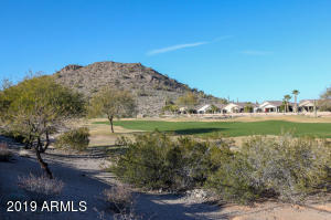 568 W STIRRUP Lane, San Tan Valley, AZ 85143