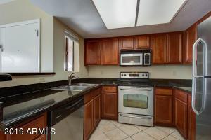 5757 W EUGIE Avenue, 2121, Glendale, AZ 85304