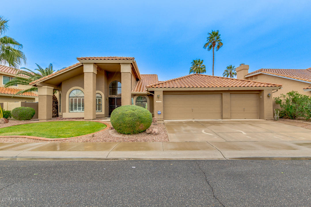 Photo of 1020 W IRIS Drive, Gilbert, AZ 85233