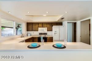 4822 W DESERT COVE Avenue, Glendale, AZ 85304