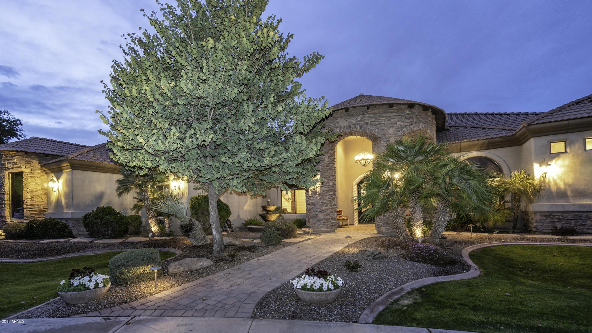 Photo of 2880 E JADE Place, Chandler, AZ 85286
