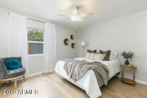 Beautiful master bedroom! Plenty of space, and fully updated.