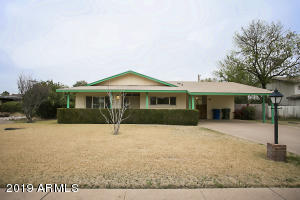 Lovely 3 BD/2 BA mid-century modern home, in the heart of Tempe. Close to ASU, MCC, Orbit line, Mill Ave., and downtown Tempe.
