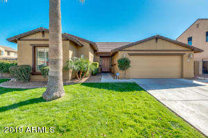 Welcome Home to 3365 E Grand Canyon Dr in gated community of Quail Springs in Chandler!
