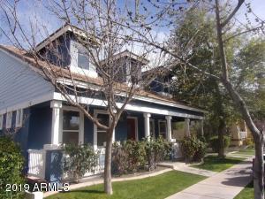 1371 S CLAIBORNE Avenue, Gilbert, AZ 85296