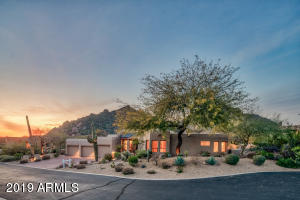 Sunset and mountain views at Desert Oasis