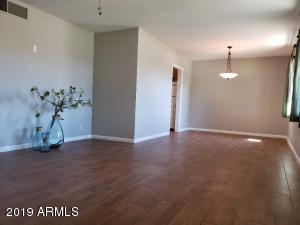 8248 E WINDSOR Avenue, Scottsdale, AZ 85257
