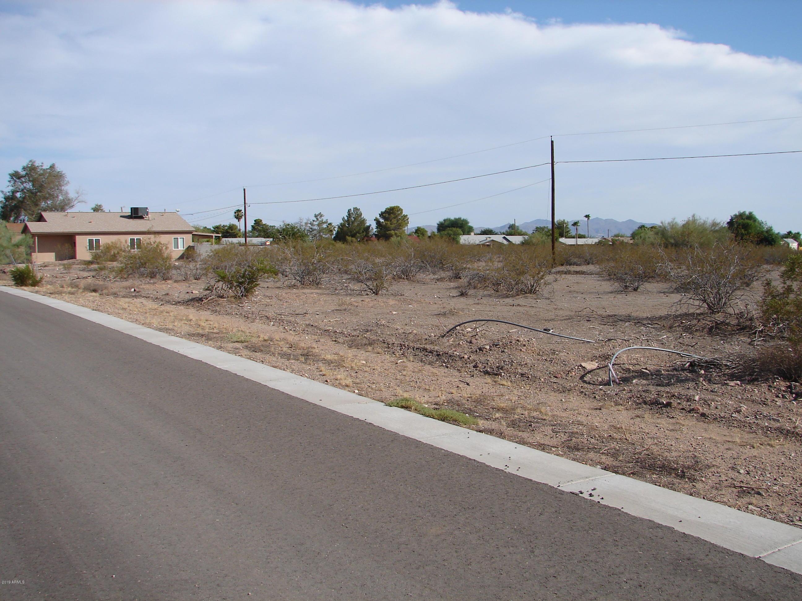 Photo of 455 W Reizen Drive, Morristown, AZ 85342