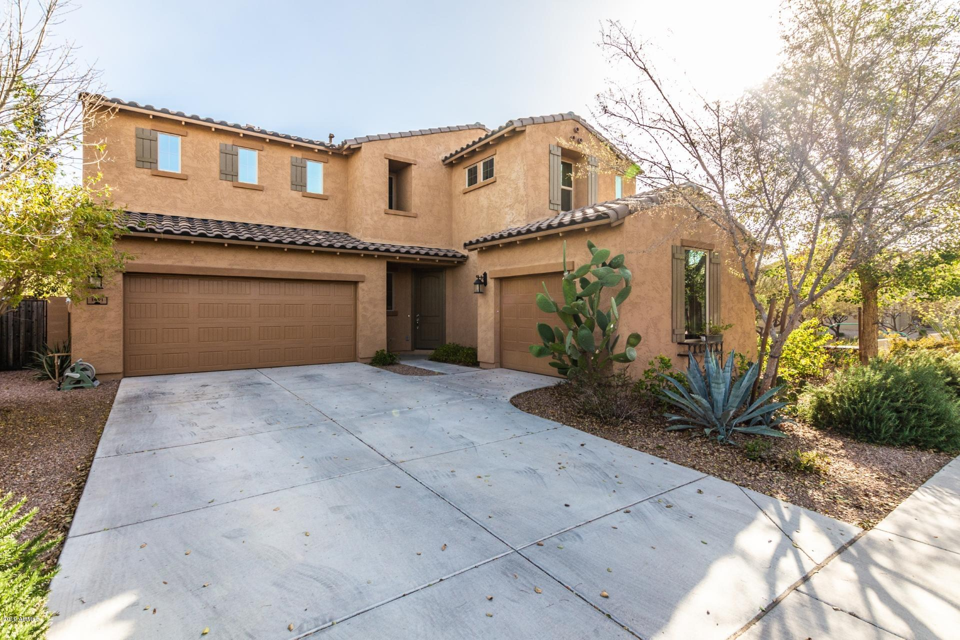 Photo of 1491 E CANARY Drive, Gilbert, AZ 85297