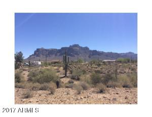 Beautiful view of the Superstitions