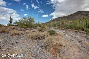 5899 E Long Rifle Road, 32